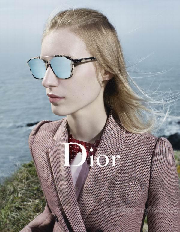 Dior发布2015秋冬成衣大片