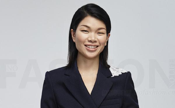 中国服装业抄袭风波再起 名模吕燕初创品牌公司拟起诉深圳影儿时尚集团