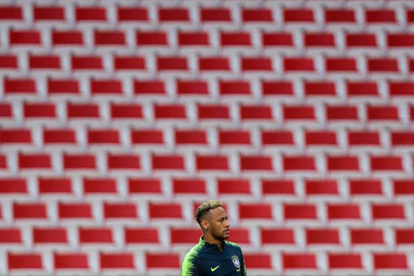 Nike 耐克旗下再有国际足球巨星陷入强奸丑闻 C罗之后内马尔成为主角