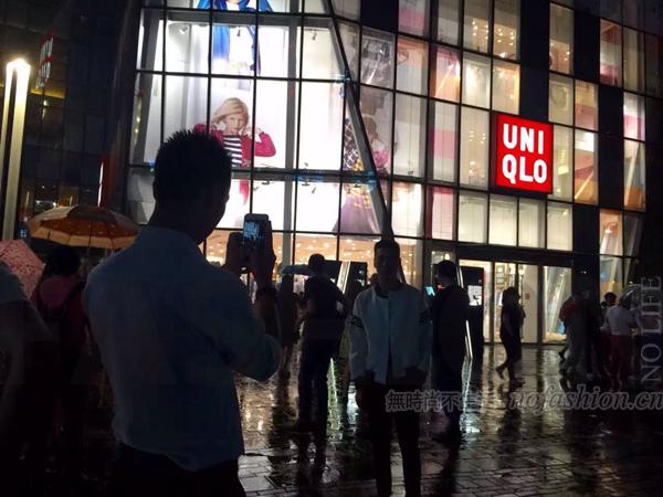 6月份中国化妆品市场卖疯了!服饰则越来越低迷
