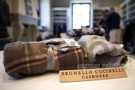 "Brunello Cucinelli未在2019年展望提及""双位数增长"" 股价重挫12.5%并一度跌停"
