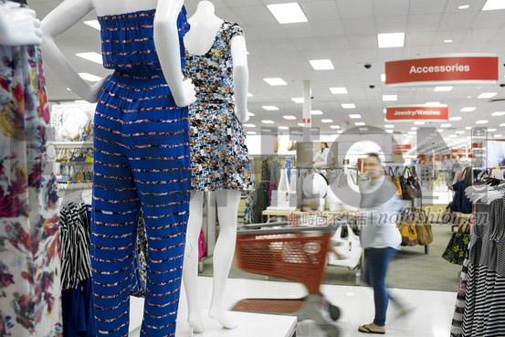 Target塔吉特二季度同店销售恢复增长 客流上升2.1%
