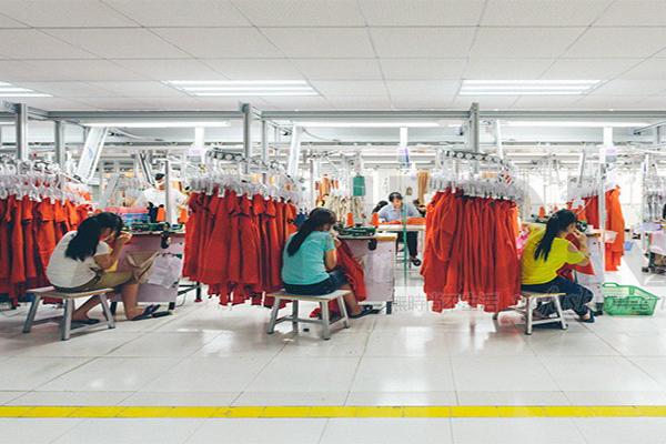 财新中国制造业PMI 11个月以来首次跌落至收缩区间