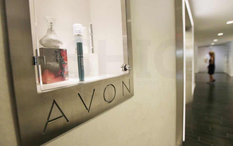 二季度Avon雅芳地区市场意外亏损 转型快美容有所进展 股价急升9%