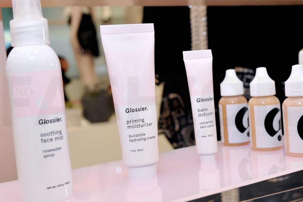 美容博主初创品牌Glossier融资1亿 跻身独角兽行列