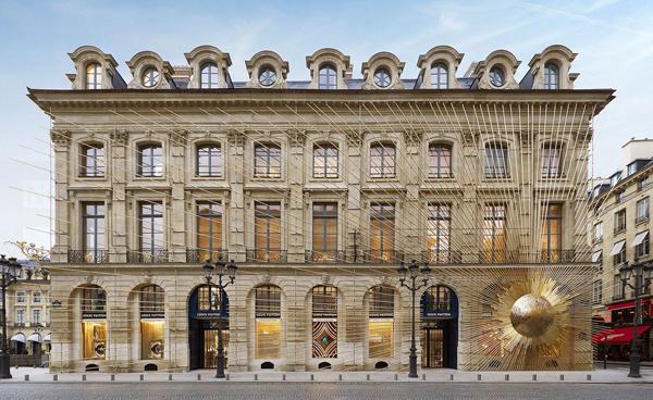 买楼代替租店 瞄准中国有钱游客 LV和Chanel要把门店办成景点
