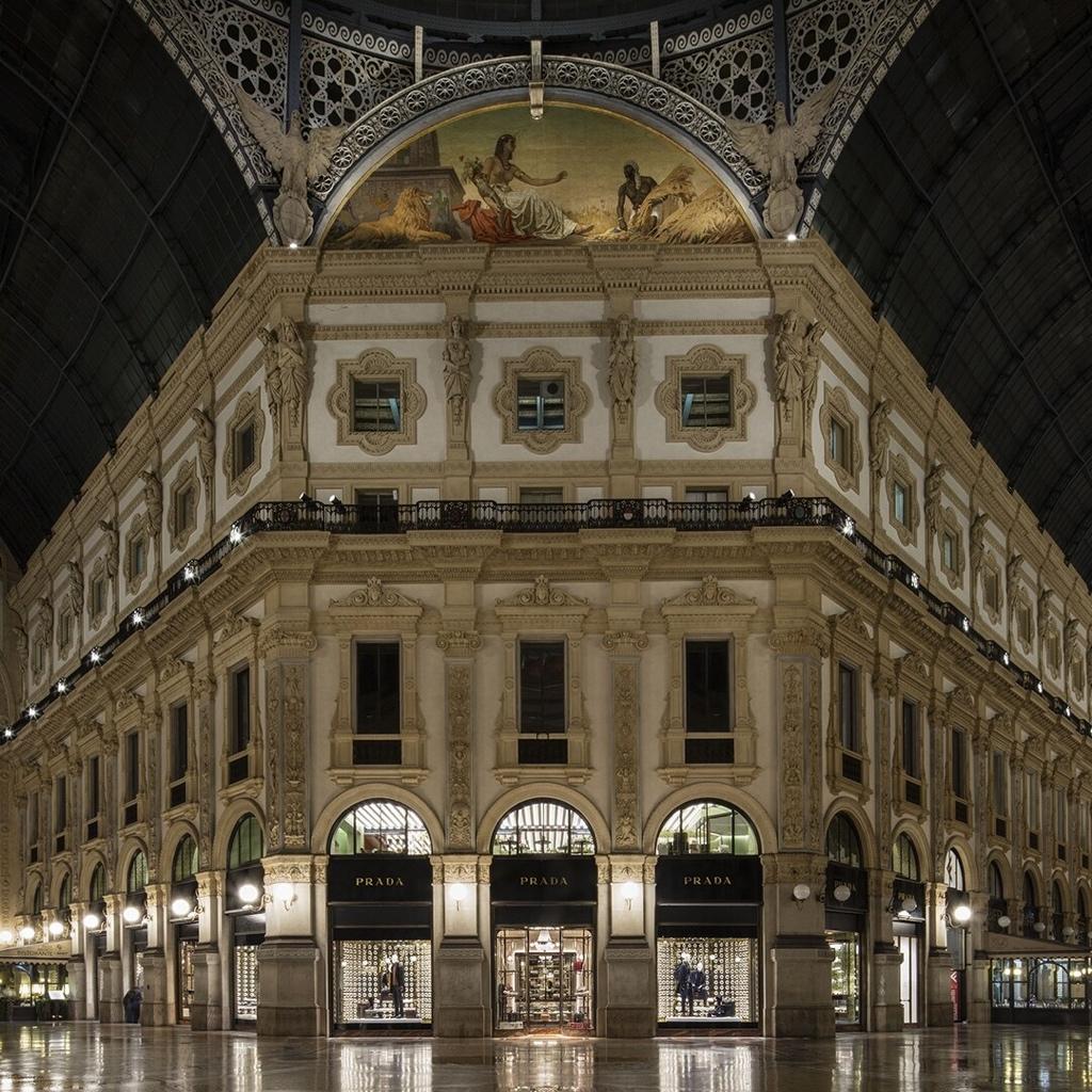 普拉达以6600万欧元从Miuccia Prada收购米兰店铺