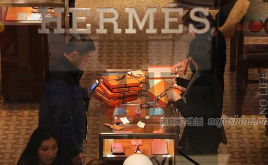 Hermès爱马仕四季度增长放缓 不及市场预期 股价跌2.4%