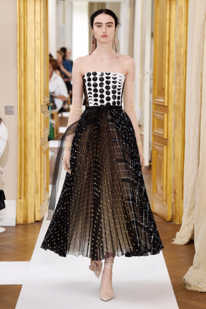 Schiaparelli Fall Couture 2017秋冬巴黎高级定制发布