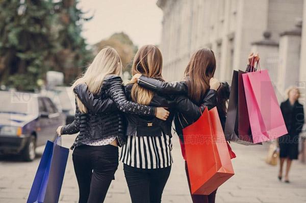 你没看错 95后更爱逛街 不是上网购物