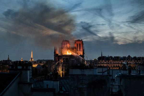 LV和Gucci 捐款巴黎圣母院遭猛烈抨击