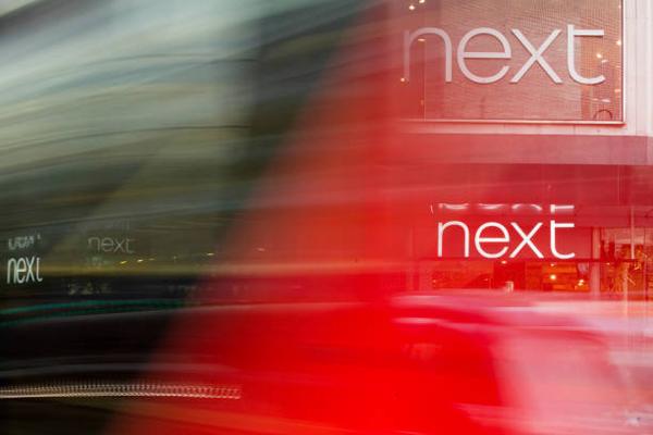 Next报假日季佳绩 带动英国零售股普涨 新英伦时尚之王霸气尽显