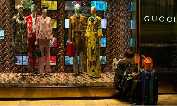 香港零售业9月表现两年半最强 奢侈品销售劲升一成五