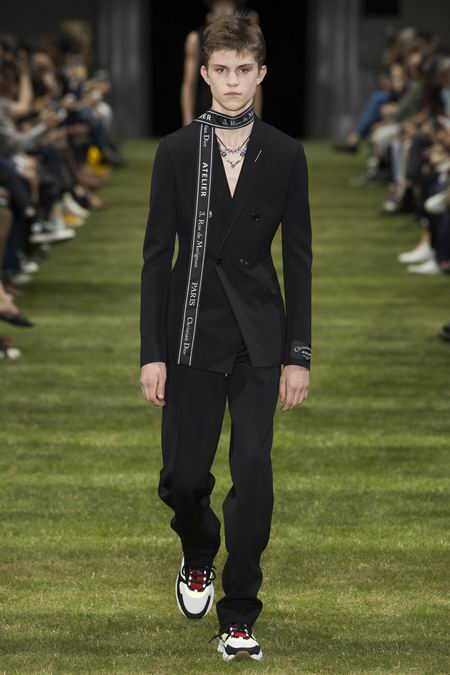 巴黎男装周Dior Homme Menswear Spring/Summer 2018春夏男装发布