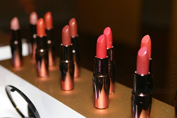"""中国人继续为""""日本制造""""买单  Shiseido资生堂提前三年实现万亿销售目标"""