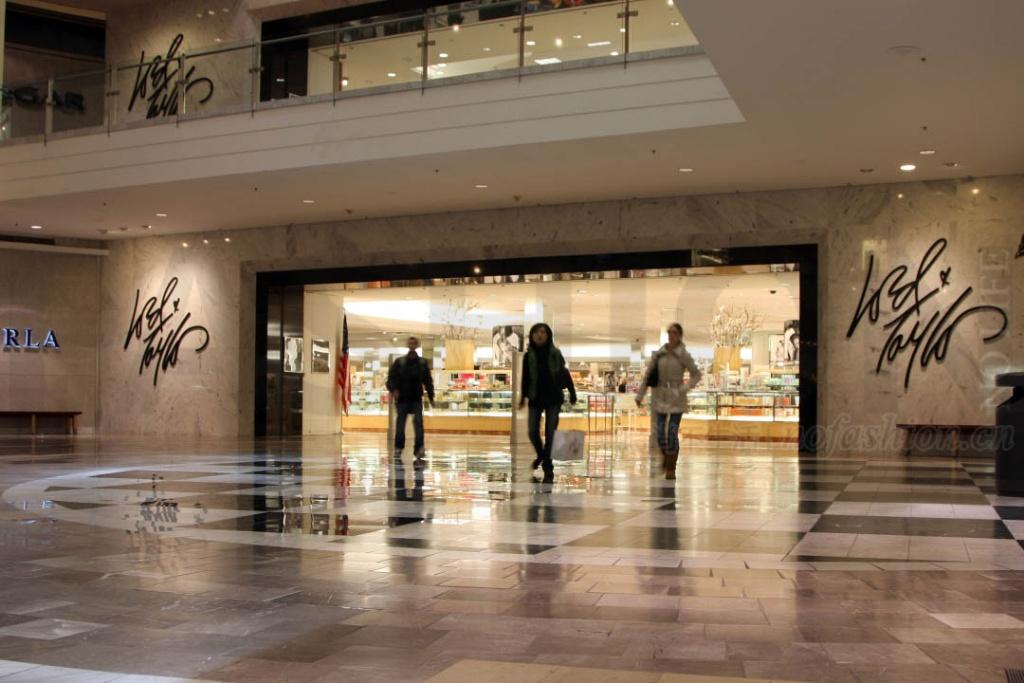 美国最古老百货公司Lord & Taylor仅值1亿美元
