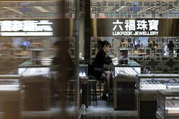 六福珠宝三季度内地同店销售意外下跌
