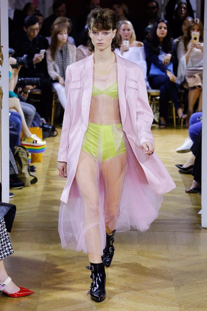 John Galliano Spring 2018春夏巴黎时装周发布