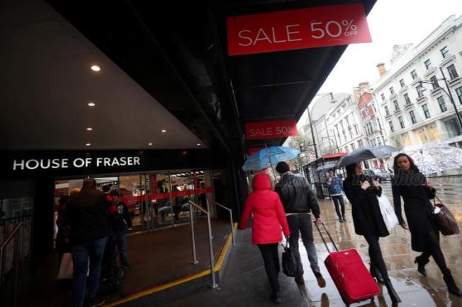 英国Sports Direct老板Mike Ashley以9000万英镑收购House of Fraser