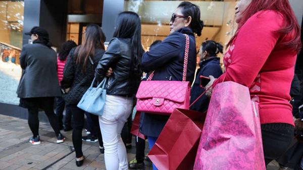 香港零售业连涨8个月 10月增幅3.9% 主要零售商均传捷报