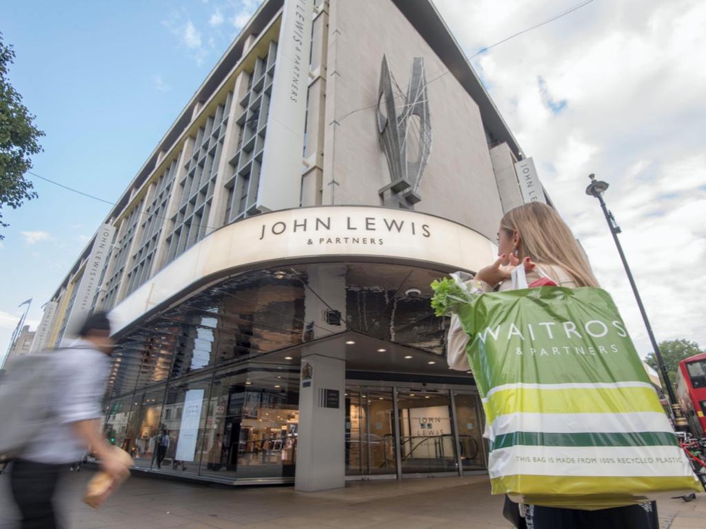 """报告称2019年英国零售有记录以来最惨烈 John Lewis百货发盈警 员工花红""""冻过水"""""""