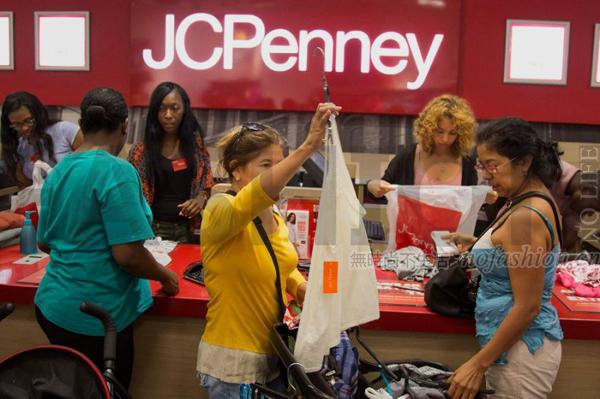 无解:J.C. Penney Co.彭尼百货业绩改善仍遭华尔街惩罚 股价创45年新低