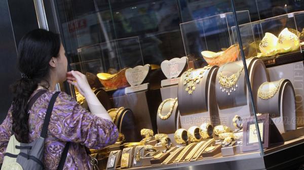 奢侈品行业持续正面 香港零售业连续两个月上涨