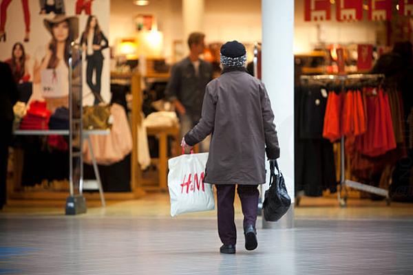 H&M一季度销售下滑1.5% 股价再度大跌