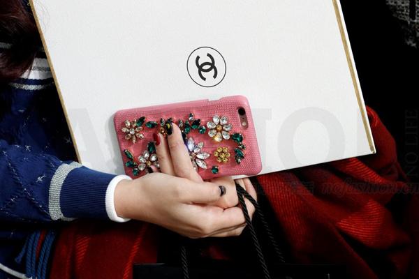 中国富豪警告Chanel香奈儿:不管你们做什么,千万不要做电商