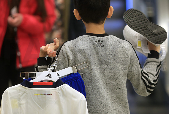 Adidas阿迪达斯集团首季盈利大幅提升