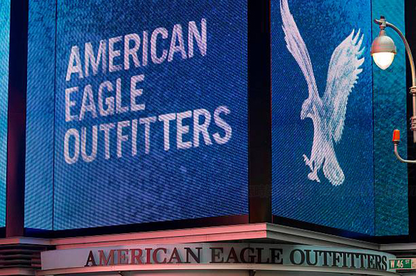 aerie同店增长及三季度EPS展望逊于期 American Eagle Outfitters美鹰服饰盘前大跌