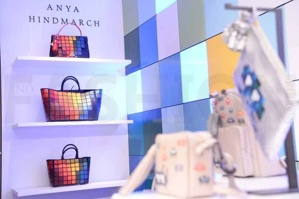 Anya Hindmarch销售暴跌 亏损收窄
