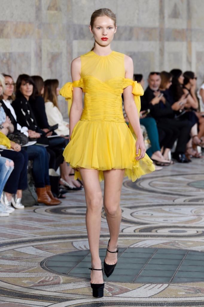 Giambattista Valli Fall Couture 2017秋冬巴黎高级定制发布