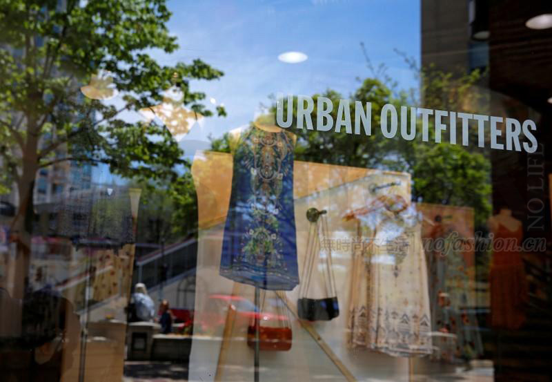 Urban Outfitters预计本季销售恢复增长 股价急升8.5%