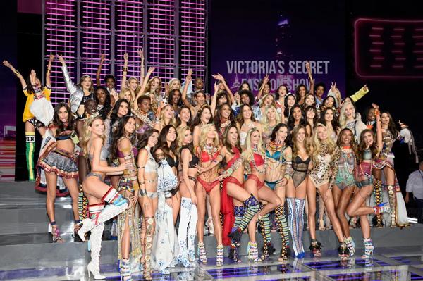 卖弄性感 维密秀成负资产 Victoria's Secret维多利亚的秘密内衣秀被指不合时宜倒行逆施