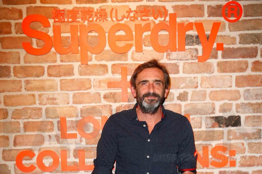 Superdry极度干燥联合创始人Julian Dunkerton重返董事会并出任临时CEO 管理层集体辞职