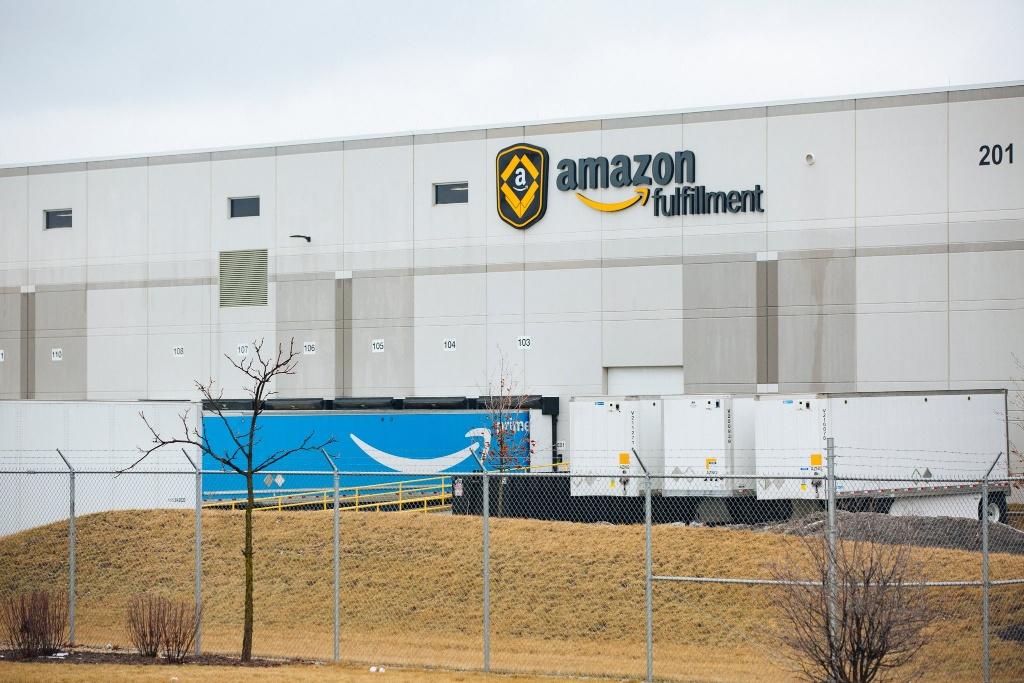 网购业务放缓的Amazon亚马逊放大招:为Prime会员提供即日送达服务
