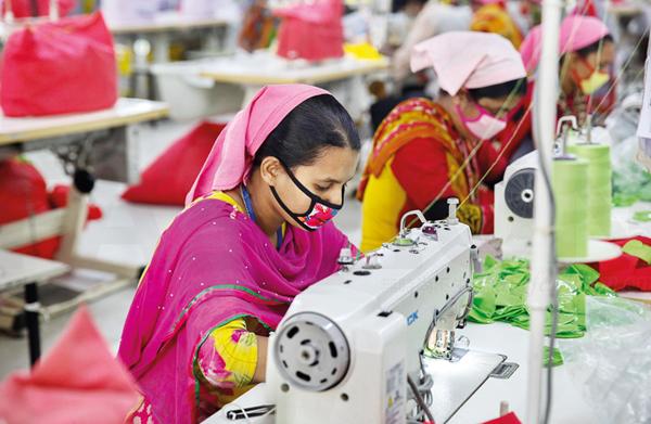 孟加拉国或延长5%的服装出口补贴 去年倒闭逾千间工厂