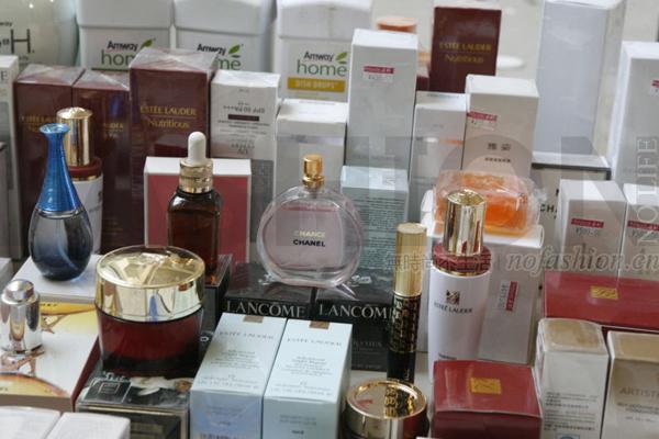 你用的Chanel、Dior可能是假的!浙江台州查获8.27亿假化妆品