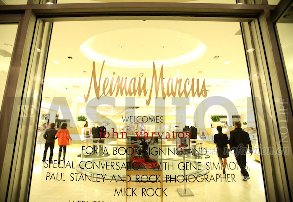 """""""数字优先""""助尼曼·马库斯恢复销售增长"""