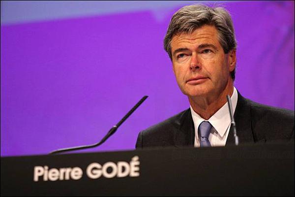 重要顾问Pierre Godé病逝 LVMH历史灵魂人物只剩老板Bernard Arnault一人