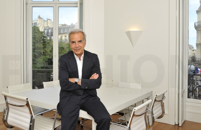 Victoria Beckham维多利亚·贝克汉姆任命法国高级时装公会总裁Ralph Toledano为主席