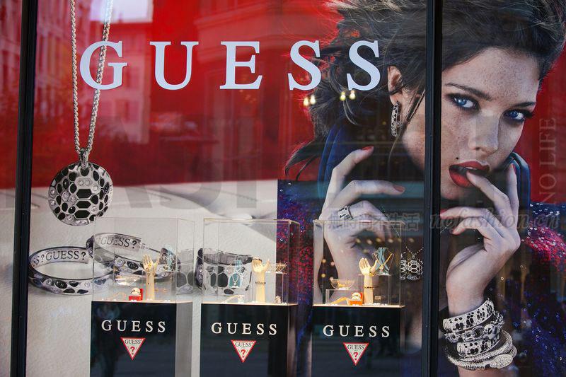 Guess股价暴跌18% 大码模特Kate Upton指控品牌创始人Paul Marciano 性骚扰 个人损失3500万美元