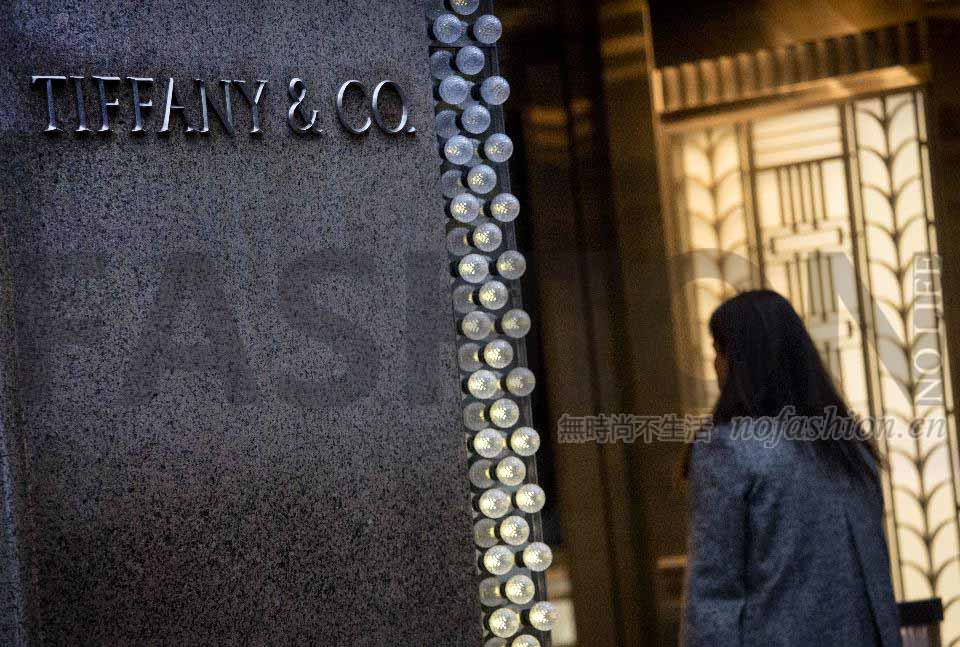 Tiffany & Co.蒂芙尼二季度胜预期 新CEO上任前销售依然疲软 低价年轻系列受欢迎 机会还是危机?