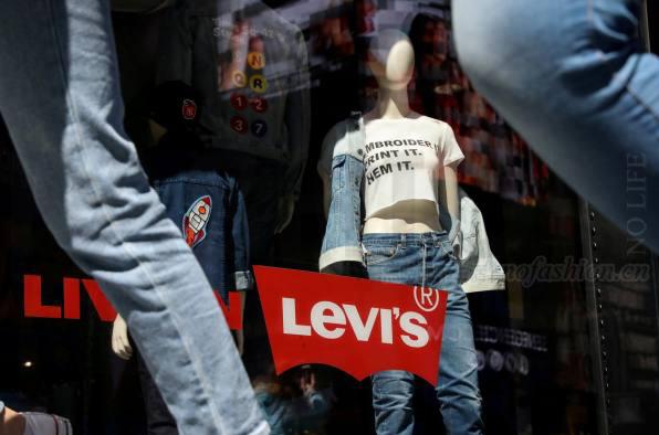 Levi Strauss李维斯上市后首份季报:销售增长达标 扭亏为盈 今年将新增100店