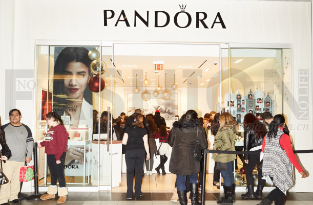 最大市场美国步入衰退 Pandora潘多拉一季度收入仅增9% 股价急泻7%